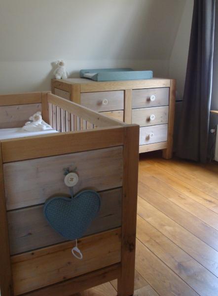 Babykamer Van Hout.Hout En Fineer Babykamer Van Sloophout