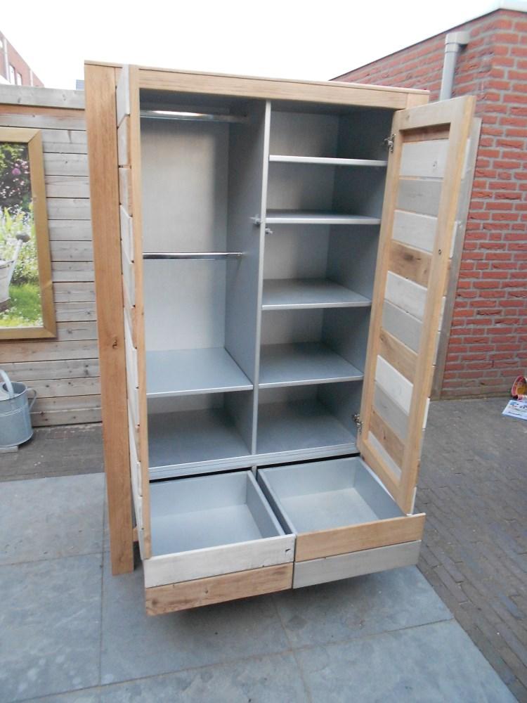 Hout en fineer kledingkast van sloophout for Sloophout meubels